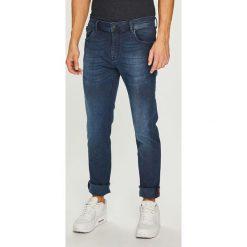 Medicine - Jeansy Contemporary Classics. Niebieskie jeansy męskie relaxed fit MEDICINE. Za 199,90 zł.