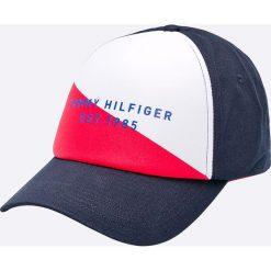 Tommy Hilfiger - Czapka. Szare czapki z daszkiem męskie marki TOMMY HILFIGER, m, z nadrukiem, z bawełny, casualowe, z okrągłym kołnierzem. Za 179,90 zł.
