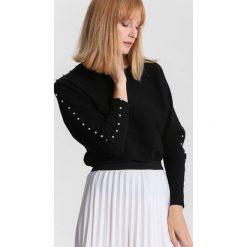 Swetry klasyczne damskie: Czarny Sweter Around Us