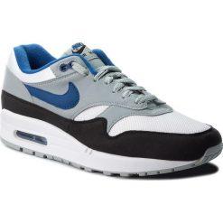 Buty NIKE - Air Max 1 AH8145 102 White/Gym Blue/Light Pumice. Szare buty skate męskie Nike, z materiału, nike air max. W wyprzedaży za 399,00 zł.