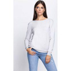Jasnoszary Sweter Respectful. Szare swetry klasyczne damskie Born2be, l, z satyny, z dekoltem na plecach. Za 64,99 zł.
