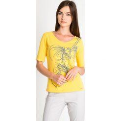 Bluzki damskie: Żółta bluzka z wypukłym wzorem QUIOSQUE