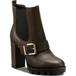Botki LIU JO - Beatle Tc 105 Cher S67173 P0158 Militare 90618. Brązowe buty zimowe damskie Liu Jo, ze skóry, na obcasie. W wyprzedaży za 569,00 zł.