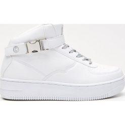 Buty sportowe damskie: Sportowe buty z zapięciem na kostce - Biały