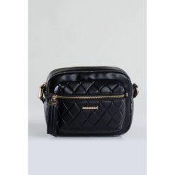 Torebki klasyczne damskie: Mała torebka z pikowaną kieszenią