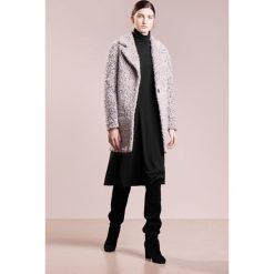 Sukienki hiszpanki: Bruuns Bazaar CLARA Sukienka z dżerseju black