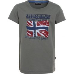 Napapijri SOLEX Tshirt z nadrukiem khaki. Szare t-shirty chłopięce z nadrukiem marki Napapijri, l, z materiału, z kapturem. Za 129,00 zł.
