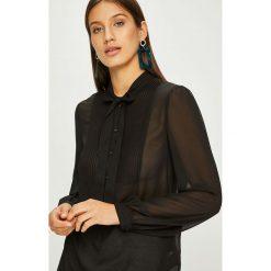 Calvin Klein - Bluzka. Szare bluzki z odkrytymi ramionami marki Calvin Klein, l, z poliesteru, casualowe, z krótkim rękawem. Za 579,90 zł.