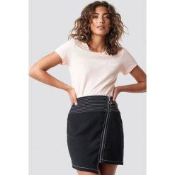 T-shirty damskie: Calvin Klein T-shirt Institutional Logo Slim Fit - Pink