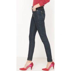 Dżinsy skinny z wysokim stanem. Szare jeansy damskie marki La Redoute Collections, m, z bawełny, z kapturem. Za 102,86 zł.