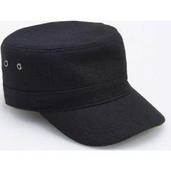 Czapka z daszkiem z wełną - Czarny. Czarne czapki z daszkiem męskie marki Reserved, z wełny. Za 49,99 zł.
