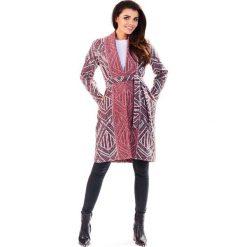 Kardigany damskie: Bordowy Wzorzysty Sweter z Wiązanym Paskiem - Wzór Romby