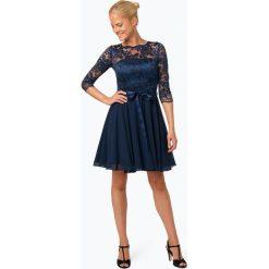 Swing - Elegancka sukienka damska, niebieski. Niebieskie sukienki balowe Swing, w koronkowe wzory, z koronki. Za 699,95 zł.