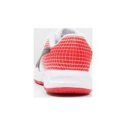 Puma VELOZ INDOOR NG Obuwie do piłki ręcznej white/black/flame scarlet. Białe buty do koszykówki damskie marki Puma, z gumy. Za 169,00 zł.