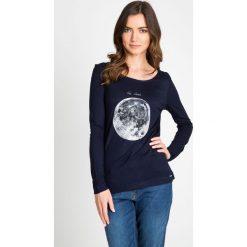 Bluzki damskie: Granatowa bluzka z księżycem QUIOSQUE