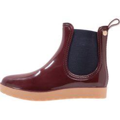 Gioseppo Kalosze burdeos. Czerwone buty zimowe damskie marki Gioseppo, z materiału. W wyprzedaży za 151,20 zł.