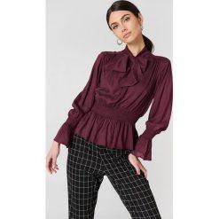 Bluzki asymetryczne: NA-KD Boho Bluzka z wiązaniem na szyi - Purple