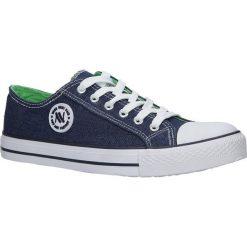 Niebieskie trampki jeansowe sznurowane Casu 083. Niebieskie trampki męskie Casu, z jeansu, na sznurówki. Za 59,99 zł.