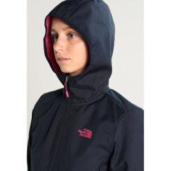 The North Face TANKEN Kurtka Softshell urban navy/pink. Różowe kurtki sportowe damskie marki The North Face, m, z nadrukiem, z bawełny. W wyprzedaży za 359,40 zł.