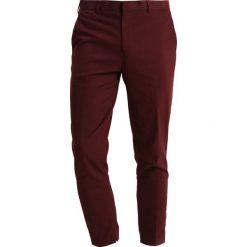 Chinosy męskie: Topman BRAME TAPER Spodnie materiałowe burgundy