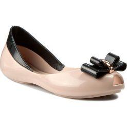 Baleriny MELISSA - Mel Queen II Inf 31842 Pink/Black 52807. Brązowe meliski damskie marki Melissa, z tworzywa sztucznego. W wyprzedaży za 189,00 zł.