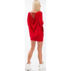Czerwona sukienka dekolt woda 3656. Czarne sukienki marki bonprix, w paski, z dekoltem woda. Za 59,00 zł.