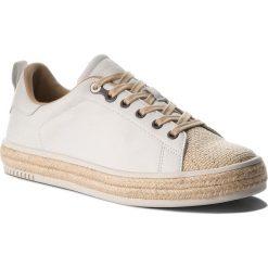 Espadryle CALVIN KLEIN JEANS - Apple R4067 White. Białe tomsy damskie Calvin Klein Jeans, z jeansu, na płaskiej podeszwie. W wyprzedaży za 299,00 zł.