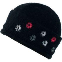 Czapka damska Pani na włościach czarna. Czarne czapki zimowe damskie Art of Polo. Za 47,34 zł.