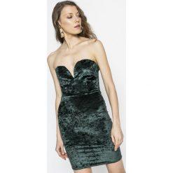 Tally Weijl - Sukienka. Czerwone sukienki dzianinowe marki TALLY WEIJL, l, z krótkim rękawem. W wyprzedaży za 59,90 zł.