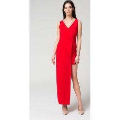 Sukienki balowe: Czerwona Wyjściowa Dopasowana Sukienka z Asymetrycznym Dołem