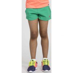 Spodnie dziewczęce: Spodenki dresowe dla małych dziewczynek JSKDD101 – multikolor