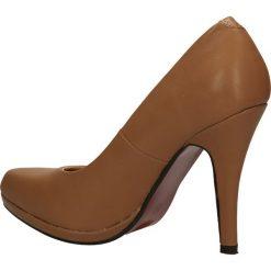 CZÓŁENKA CASU 3518. Brązowe buty ślubne damskie Casu, na koturnie. Za 69,99 zł.