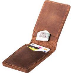 Cienki portfel ze skóry naturalnej BRODRENE jasny brąz. Brązowe portfele męskie marki Brødrene, ze skóry. Za 84,90 zł.