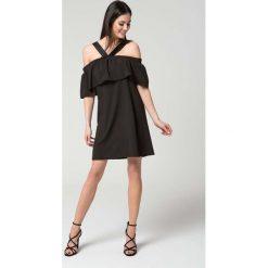 Sukienki: Czarna Letnia Sukienka na Ramiączkach z Falbanką