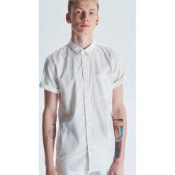 697f1242e9f280 Koszule męskie ze sklepu Cropp - Promocja. Nawet -60%! - Kolekcja ...