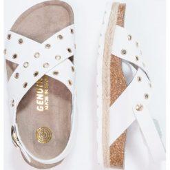 Genuins PALERMO  Sandały white. Białe sandały chłopięce Genuins, z materiału, z otwartym noskiem. W wyprzedaży za 174,30 zł.