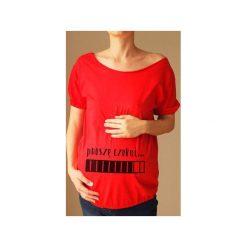 Czerwony ciążowy oversize tshirt proszę czekać. Czerwone bluzki ciążowe One mug a day, s, z nadrukiem, z bawełny. Za 89,00 zł.