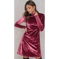Sukienki: NA-KD Party Aksamitna sukienka ze stójką - Pink,Red