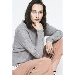 Medicine - Sweter Yoga. Szare swetry klasyczne damskie marki MEDICINE, l, z dzianiny, z okrągłym kołnierzem. W wyprzedaży za 39,90 zł.