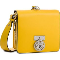 Torebka GUESS - HWALEC L8321 YEL. Żółte listonoszki damskie Guess, z aplikacjami, ze skóry. W wyprzedaży za 709,00 zł.