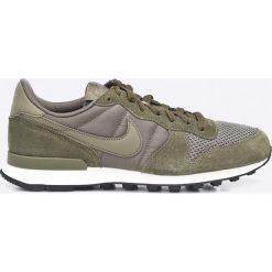 Nike Sportswear - Buty Internationalist SE. Szare buty skate męskie Nike Sportswear, z gumy, na sznurówki. W wyprzedaży za 299,90 zł.