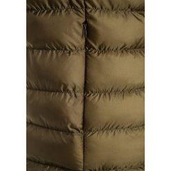 Cars Jeans JOKY Płaszcz zimowy  army. Zielone kurtki chłopięce przeciwdeszczowe Cars Jeans, na zimę, z jeansu. W wyprzedaży za 191,20 zł.