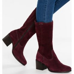 MJUS Kozaki barolo. Czerwone buty zimowe damskie MJUS, z materiału. W wyprzedaży za 383,40 zł.