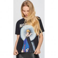 Koszulka z nadrukiem DISNEY - Czarny. Czarne t-shirty damskie marki Cropp, l, z motywem z bajki. Za 49,99 zł.