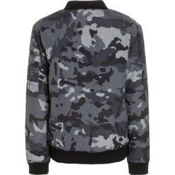 Redskins FONZY Kurtka zimowa black. Czarne kurtki chłopięce zimowe marki Redskins, z materiału. W wyprzedaży za 251,30 zł.