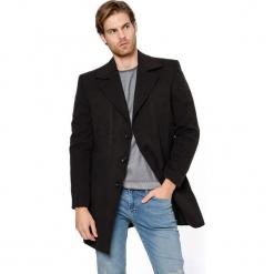 Płaszcz w kolorze ciemnobrązowym. Brązowe płaszcze zimowe męskie marki AVVA, Dewberry, m. Za 489,95 zł.