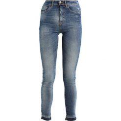 Benetton Jeansy Slim Fit medium blue. Niebieskie jeansy damskie marki Benetton, z bawełny. W wyprzedaży za 175,20 zł.