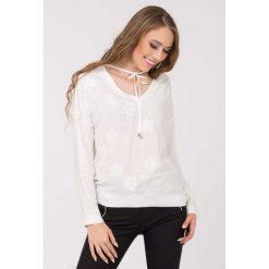 Bluzki damskie: Bluzka koszulowa z kwiatami