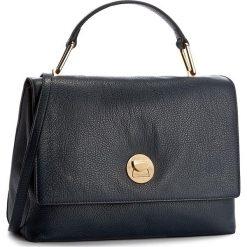 Torebka COCCINELLE - AD0 Liya E1 AD0 18 01 01 Bleu/Noir 726. Niebieskie torebki klasyczne damskie Coccinelle, ze skóry. W wyprzedaży za 1049,00 zł.