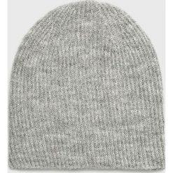 Only - Czapka Tessie. Szare czapki zimowe damskie ONLY, na zimę, z dzianiny. Za 59,90 zł.
